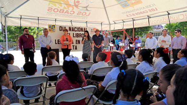 02 CON LECTURAS EN VOZ ALTA, GOBIERNO MUNICIPAL CELEBRA EL DÍA NACIONAL DEL LIBRO...jpg