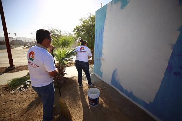 02 Trabajan en equipo Ciudadanos y Gobierno en rehabilitación de parque y campaña de limpieza ....jpeg