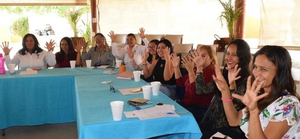04 Taller lenguaje de Señas Mexicanas a personal del Instituto de las Mujeres de Los Cabos.jpg