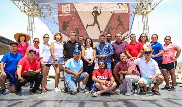"""02 Con actividades deportivas y recreativas en """"El Tule"""" se conmemora el Día del Maestro."""