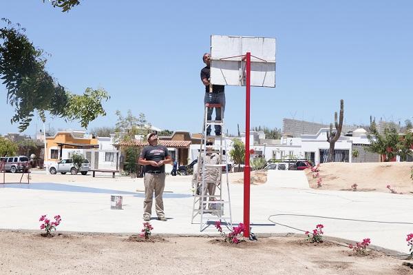 03 Servicios Públicos rehabilita parque de la colonia Agua Clara en atención a denuncia ciudadana.JPG