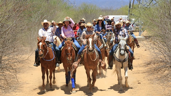 05 Realizan Cabalgata por las Fiestas Tradicionales de Caduaño