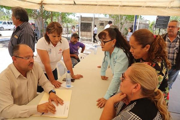 Walter Valenzuela encabeza jornada social en Ciudad Insurgentes3.jpg