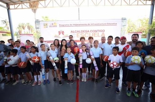"""01 """"Alcaldesa Contigo y en Tu Escuela"""" programa integral que ha beneficiado a más de mil 608 alumnos"""