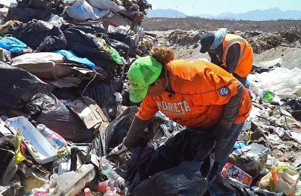 02 Servicios Públicos trabaja por mejores condiciones para los pepenadores de Los Cabos