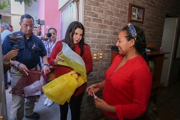 01 Entrega alcaldesa Armida Castro alrededor de 3 mil Kits de Emergencia Familias en Zonas de Riesgo