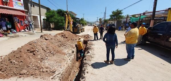 02 Gobierno Municipal trabaja en la pavimentación de 22 calles de Los Cabos.
