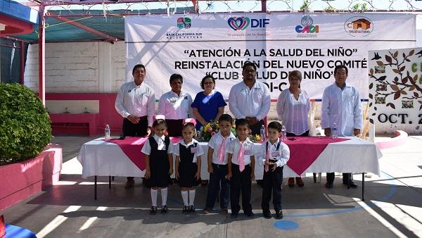 La maestra Caludia Gonzalez Armenta, presidenta de DIF encabezo la ceremonia de instalacion del Comite de Salud del Niño en CAD