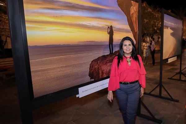 """01 Alcaldesa Armida Castro inaugura exposición fotográfica """"BCSur"""".."""