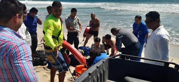 03 Guardavidas de ZOFEMAT Los Cabos realizan rescate acuático en playas de la cabecera municipal2.jpeg