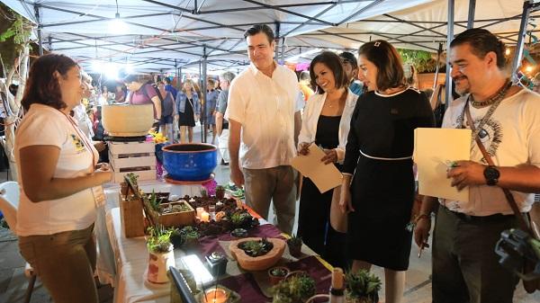 04 Productores regionales celebran el Día de Muertos con expocisión y concurso de Altares en plaza Antonio Mijares