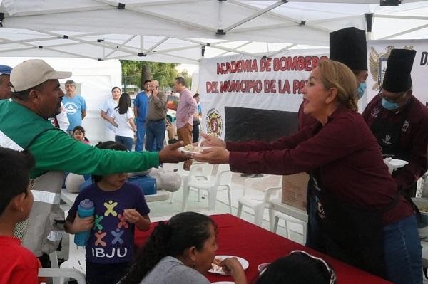 ENTREGA DE ALIMENTOS EN JORNADA SOCIAL