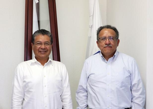 Reunión Rector y Genaro Ruiz (2).JPG