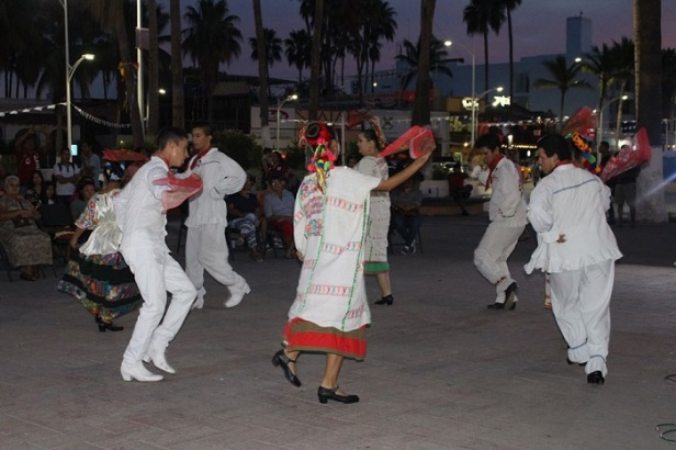 Viernes-cultural- (1).jpg