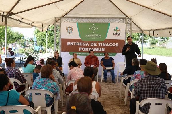 ENTREGA DE TINACOS (3)