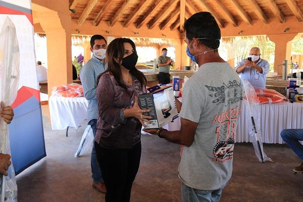 02 En apoyo a 50 pescadores, invierte Gobierno de Los Cabos más de 450 mil pesos 1