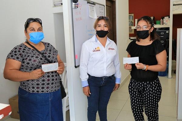 """03 Un acumulado de 100 mil pesos se han entregado através del programa """"Emprender sin Barreras"""" que promueve el IMDIS de Los Cabos"""