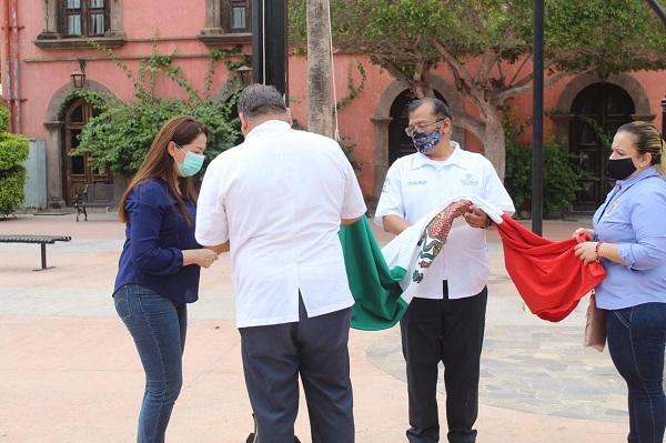 FOTO 1 RECONOCEN EN LORETO LA LABOR DEL PERSONAL DEL SECTOR SALUD EN SU COMBATE CONTRA EL COVID-19