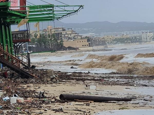 02 Continúan banderas negras en las playas de Los Cabos- Zofemat 2